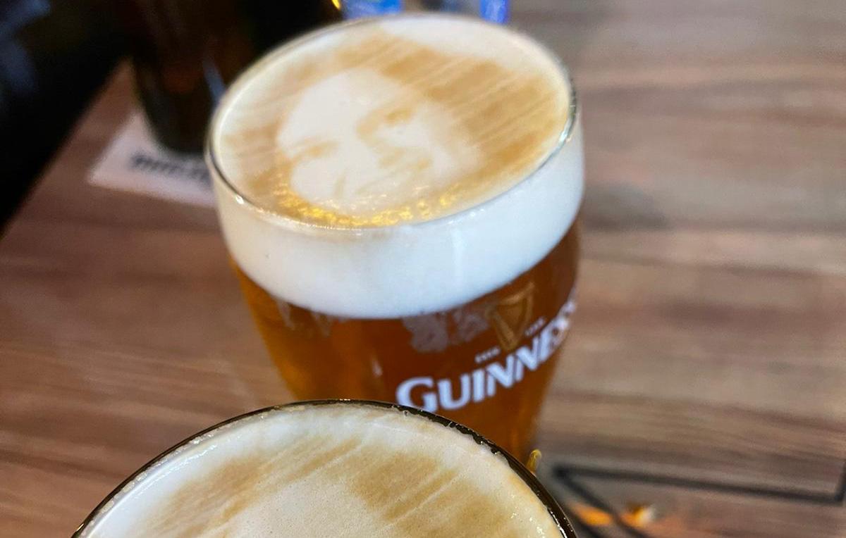 Gracias Madrid - ayuso espuma cerveza